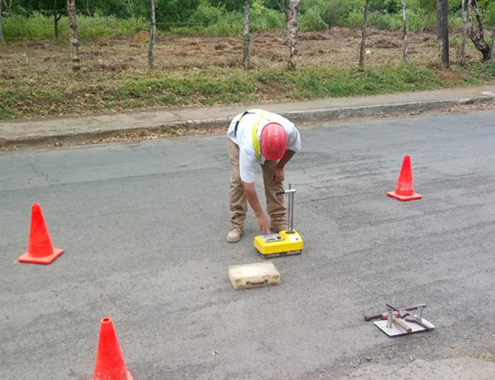Prueba de densidad de asfalto